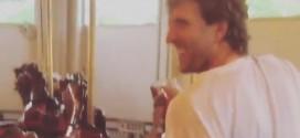 Dirk Nowitzki s'éclate sur un manège