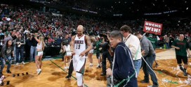 Top 10: Jerryd Bayless au buzzer; Le caviar de Steph Curry