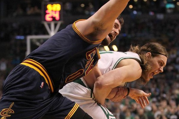 Kelly olynyk et Kevin Love