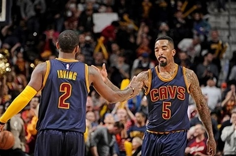 Kyrie Irving et Jr Smith
