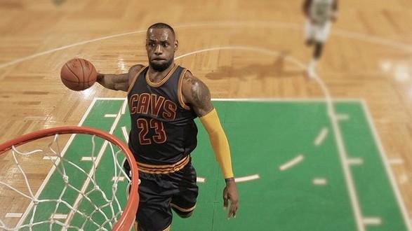 Le top 10 de la semaine: Griffin, Curry et LeBron à l'honneur