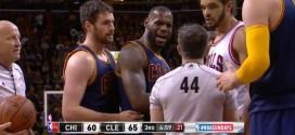 David Blatt aimerait voir certaines fautes sur LeBron James sanctionnées plus sévèrement