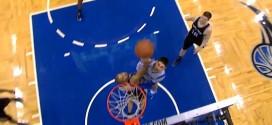 Quand Tony Parker tente de contrer le dunk de Nikola Vucevic