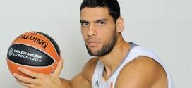 Salah Mejri signe aux Dallas Mavericks