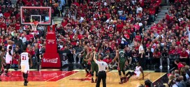 Aaron Brooks lâche un 3-points au buzzer contre Milwaukee