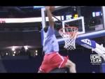 Corey Sanders (1m85) dunke par-dessus Tacko Fall (2m26)