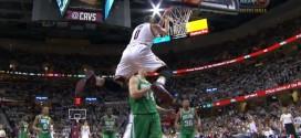 Alley oop : LeBron James pour le reverse de Kevin Love !