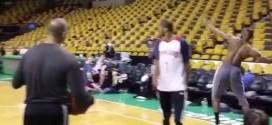 [Vidéo] L'incroyable panier tout-terrain de LeBron James à l'entraînement !