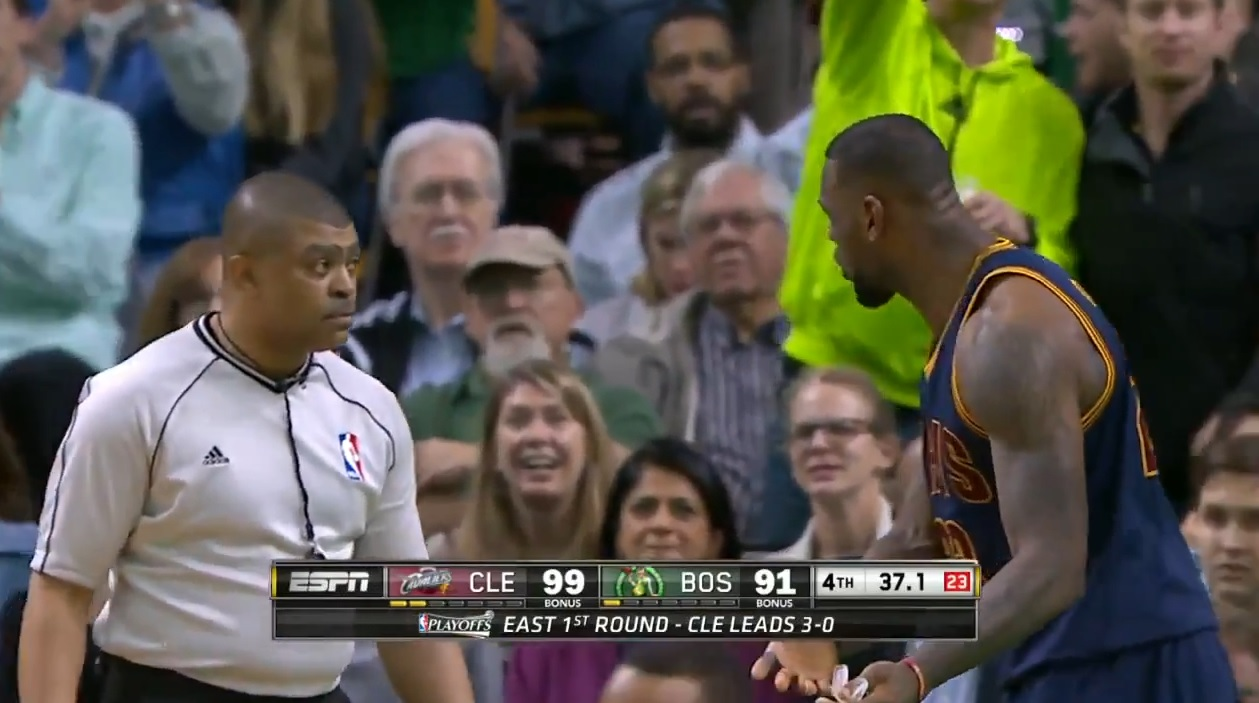 lebron james arbitre