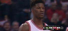 Les highlights de Jimmy Butler face aux Bucks: 31 points