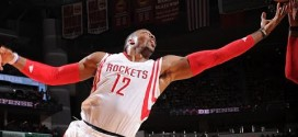Les highlights du trio James Harden (24 pts, 9 asts), Dwight Howard (28 pts, 12 rbds), Josh Smith (15 pts, 9 asts)