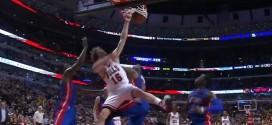 La claquette dunk rageuse de Pau Gasol sur les Pistons !