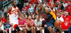 LeBron James (30 pts, 11 pds, 9 rbds) fait la totale aux Hawks