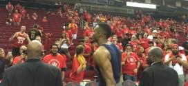 Dwight Howard et des fans des Rockets coincés au Toyota Center plusieurs heures après le match