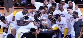 Vidéo: la remise du titre de champion de la conférence Ouest aux Warriors