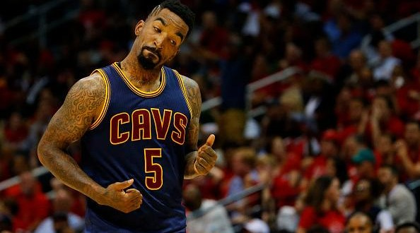 Et Jr Smith prit feu