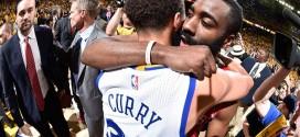 L'accolade entre Stephen Curry etJames Harden