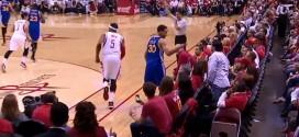 Vidéo: Stephen Curry calme un fan des Rockets