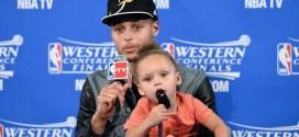 Stephen Curry revient sur le « Riley Show » en conférence de presse
