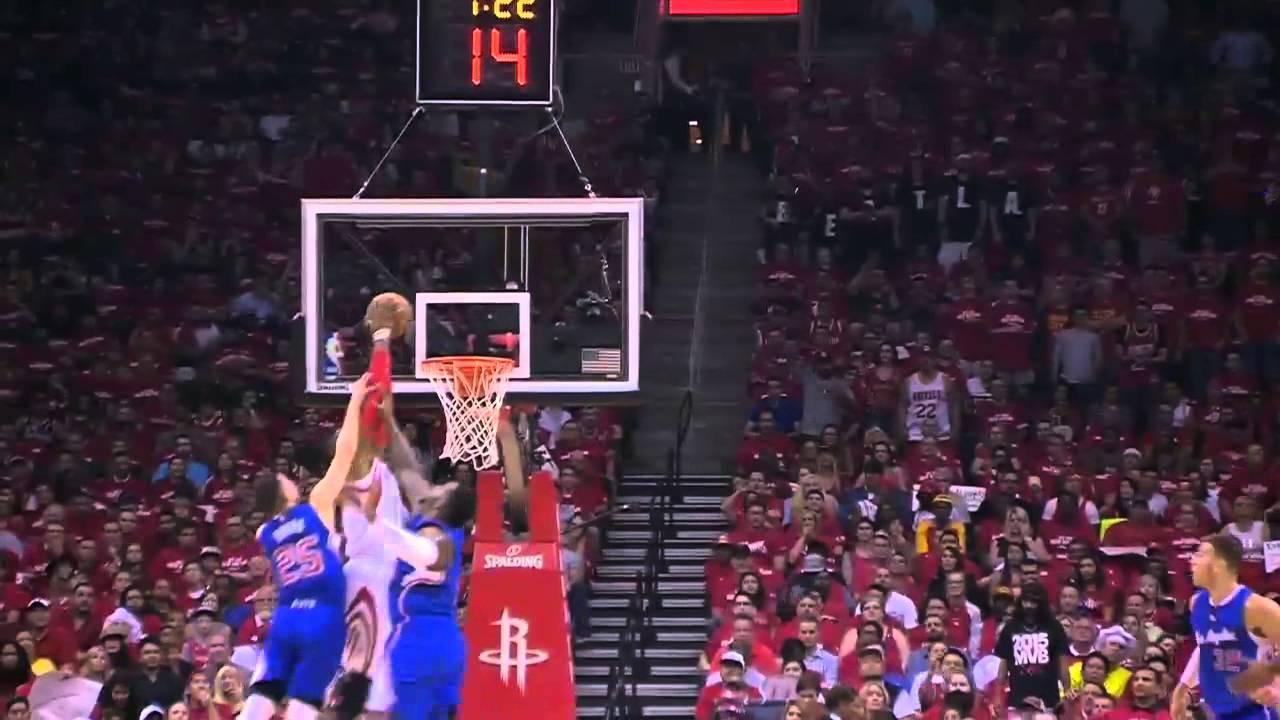 Dwight Howard écrase deux Clippers sur alley oop