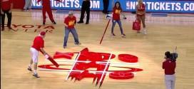 [Insolite] Deux fans des Rockets ne savent pas jouer au morpion