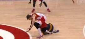 [Vidéo] La blessure de Kyle Korver