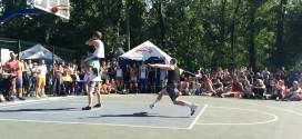 Le dunk du jour: Kroha passe un rider par-dessus deux personnes
