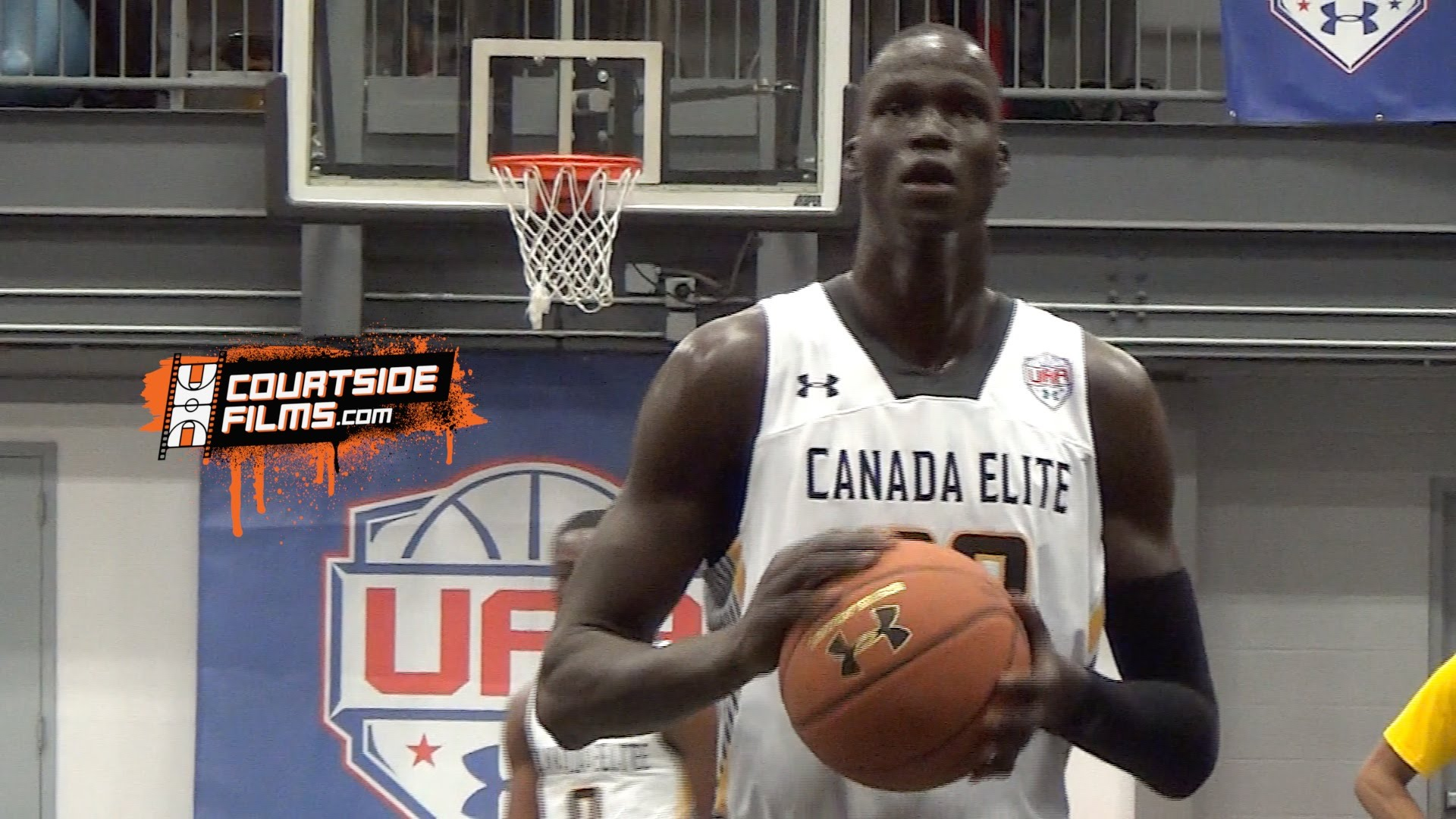 Les highlights de Thon Maker lors du Under Armour Association de New York