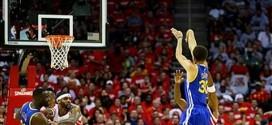 Stephen Curry établit un nouveau record de tirs à trois points en playoffs