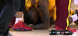 Vidéo: LeBron James àbout de force après le buzzer