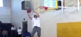 Vidéo: Stephen Curry passe un joli 180