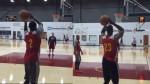 Fail: Quand LeBron James et Kyrie Irving shootent à trois points main gauche