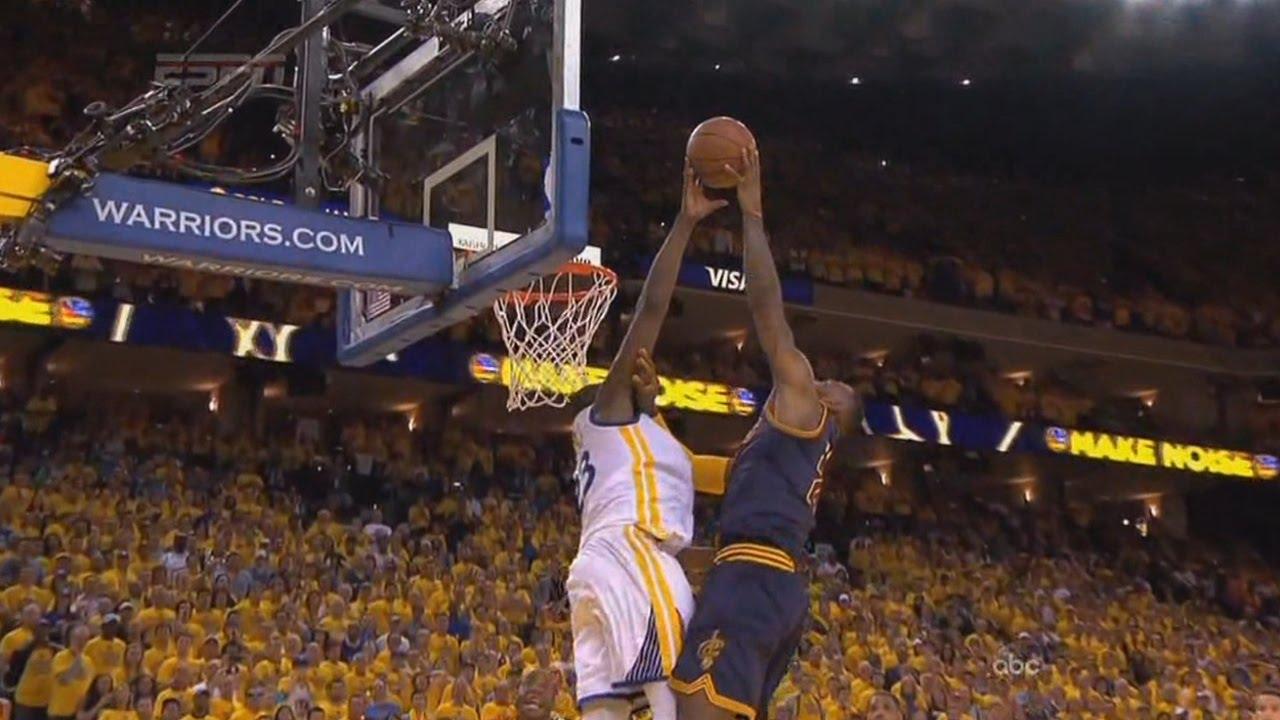 Le blockorama des Warriors sur LeBron James