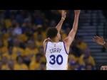 Vidéo: Les 98 tirs à trois points de Stephen Curry en playoffs (record)