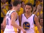 Vidéo: les plus beaux step-backs de Stephen Curry lors des finales