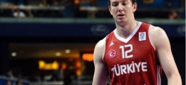 Omer Asik forfait pour l'Eurobasket