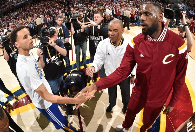 150618113323-steph-curry-and-lebron-james-pregame-061815.home-t3
