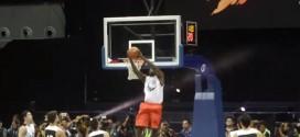 Vidéo: LeBron James fait le show aux Philippines