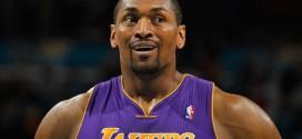 Les Lakers intéressés par Metta World Peace