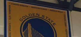 Photo : la bannière de champions des Warriors