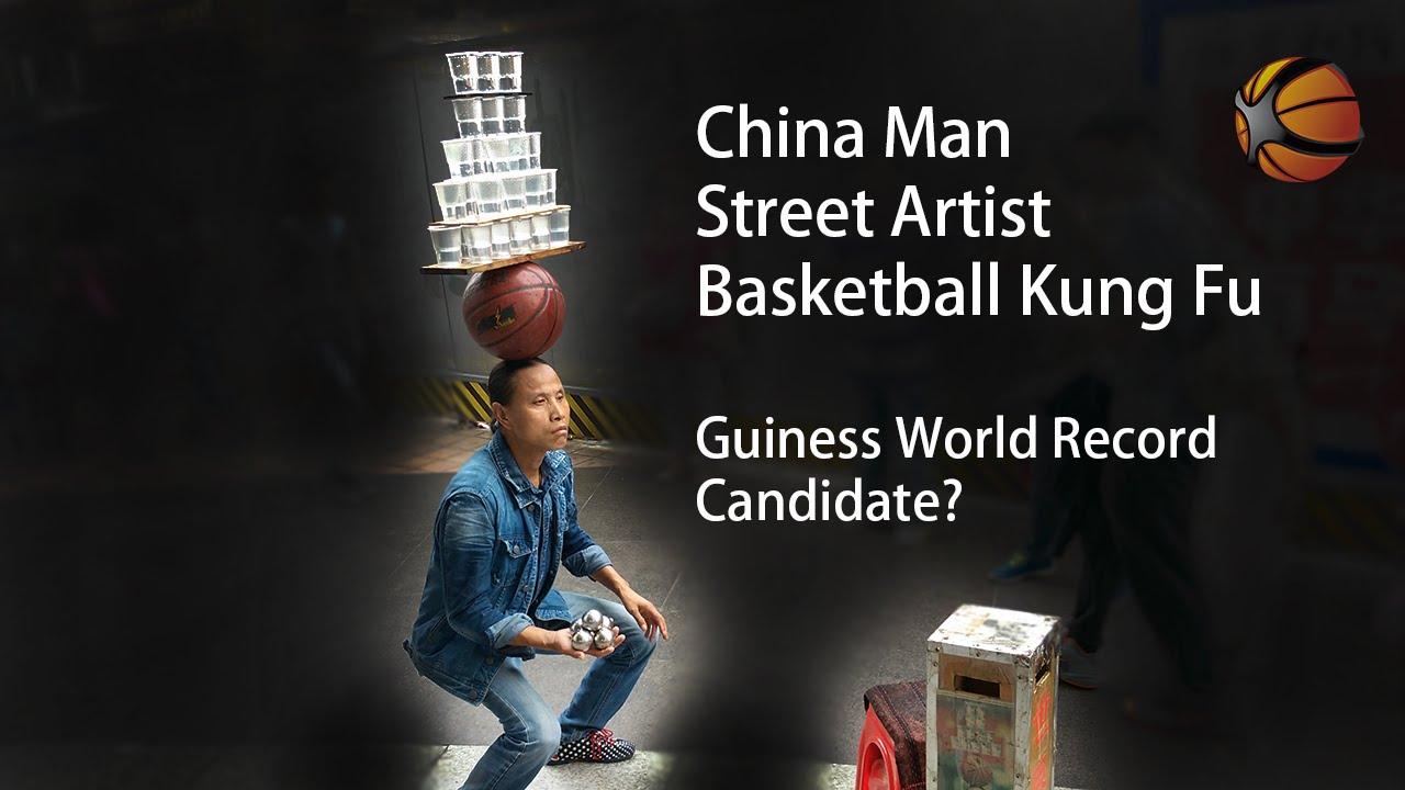 Insolite : la folle performance d'un artiste de rue chinois