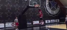 Séance de dunks pour les joueuses de Team USA