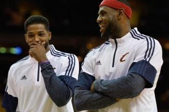 LeBron James et Tristan Thompson