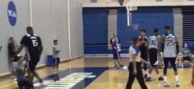 Vidéo: DeMarcus Cousins fou de rageaprès l'arbitre… à l'entraînement