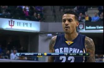 Insolite! Les fans des Pacers chantent 'Derek Fisher' à Matt Barnes