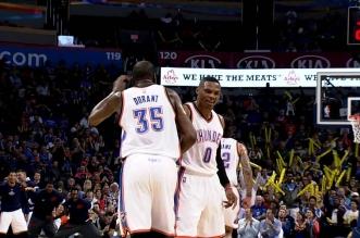 Les énormes dunks de Kevin Durant et Russell Wesbrook