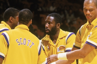 Byron Scott, Magic Johnson, James Worthy et Kareem Abdul-Jabbar