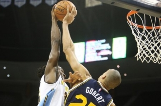 Rudy Gobert sur Kenneth Faried