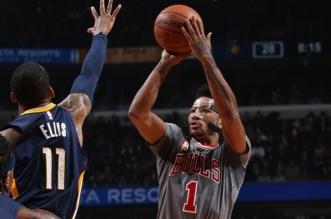Les Bulls stoppent Indiana mais perdent Derrick Rose