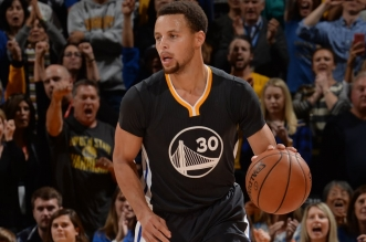Top 10: Stephen Curry monte au dunk; Le show des Bucjs